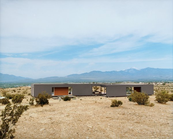 #desertutopia #desert #marmolradziner #marmol #radzinner #prefab #exterior #modernarchitecture  Photo 10 of 23 in 20 Desert Homes from modern homes