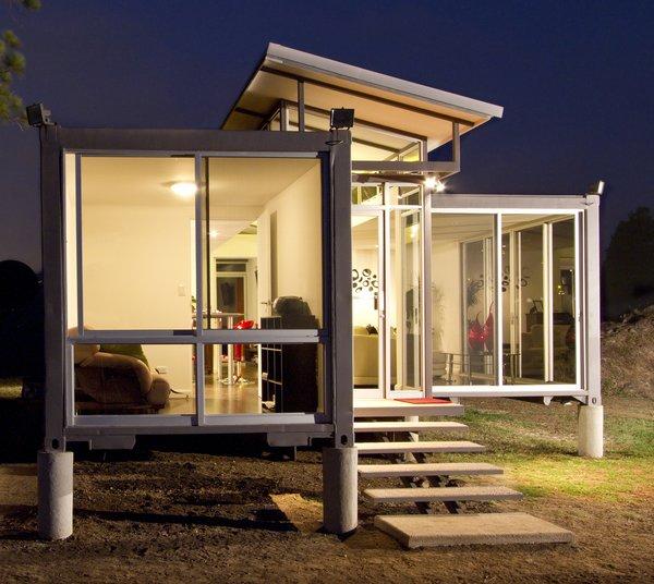 #shippingcontainer #exterior #interior #aluminumframe #clerestory #windows #indooroutdoorliving #modern #containerhome