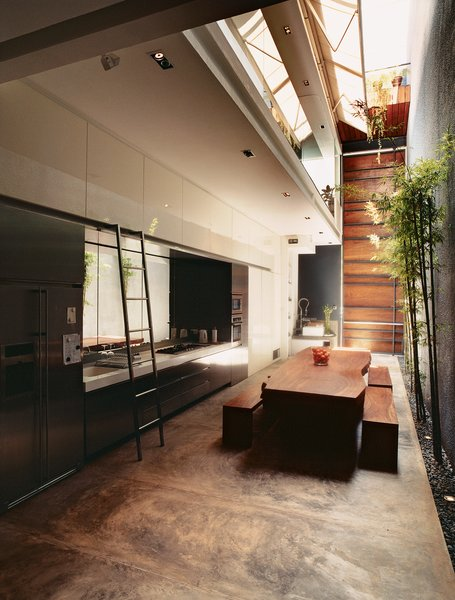 #19thcentury #renovation #kitchen #diningroom #diningspace #woodtable #changarchitects #architecture #indoor #inside #interior #indoorplants #storage #kitchenstorage