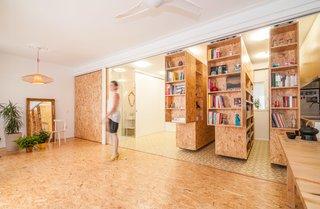 #interior #indoor #inside #particleboard #shelving #storage #smallspaces #modern #tracksystem #bookcase #bookshelf #slidingshelves