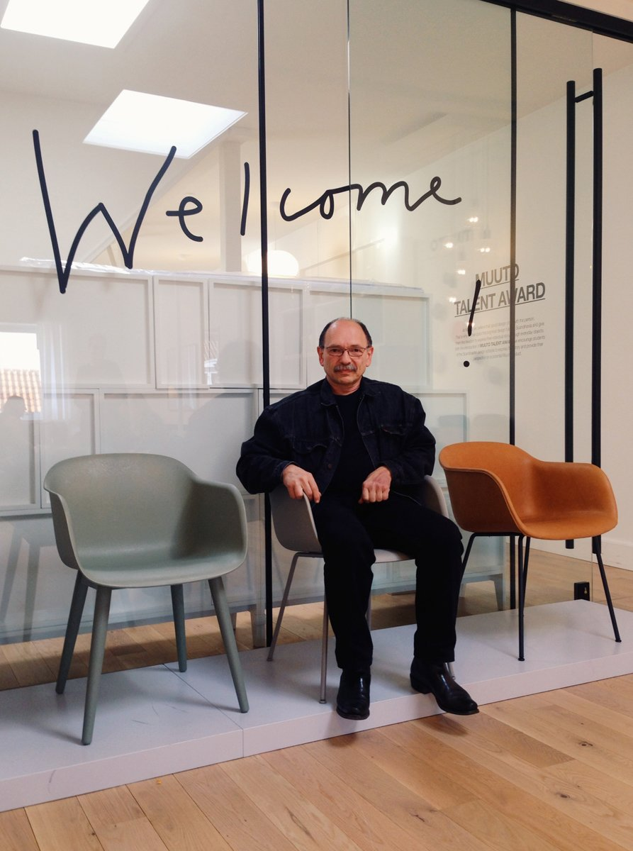 #seatingdesign #chair #Muuto #Copenhagen #fiberchair #BorisBerlin #Eamesinspired #modern #wood #steel #sled #swivel #recyclable #ecofriendly #green   100+ Best Modern Seating Designs