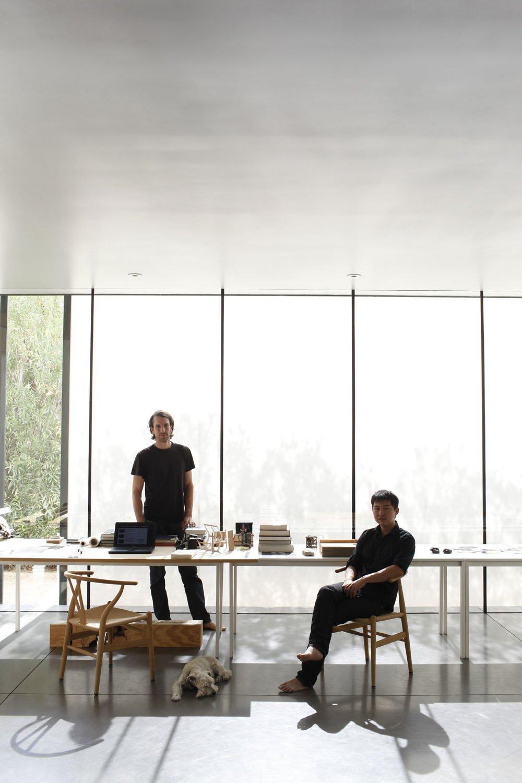 #workspace #office #interior #inside #window #seatingdesign #interiordesign #desk #lighting #dog #concrete #minimal   Photo by Ye Rin Mok  Dogs Who Love Modern Design