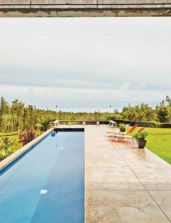 #pooldesign #pool #exterior #outdoor #outside #modern #minimal #landscape #loungechair #perpendicular #concrete #Hawaii #LavaFlow7 #CraigSteelyArchitecture