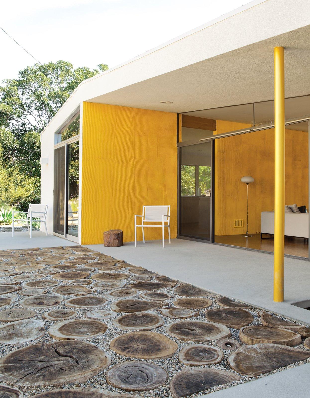 #color #yellow #minimal #backyard #patio #coveredpatio #exterior #outdoor #openair #renovation #LosAngeles #California #TaalmanKoch   36+ Interior Color Pop Ideas For Modern Homes