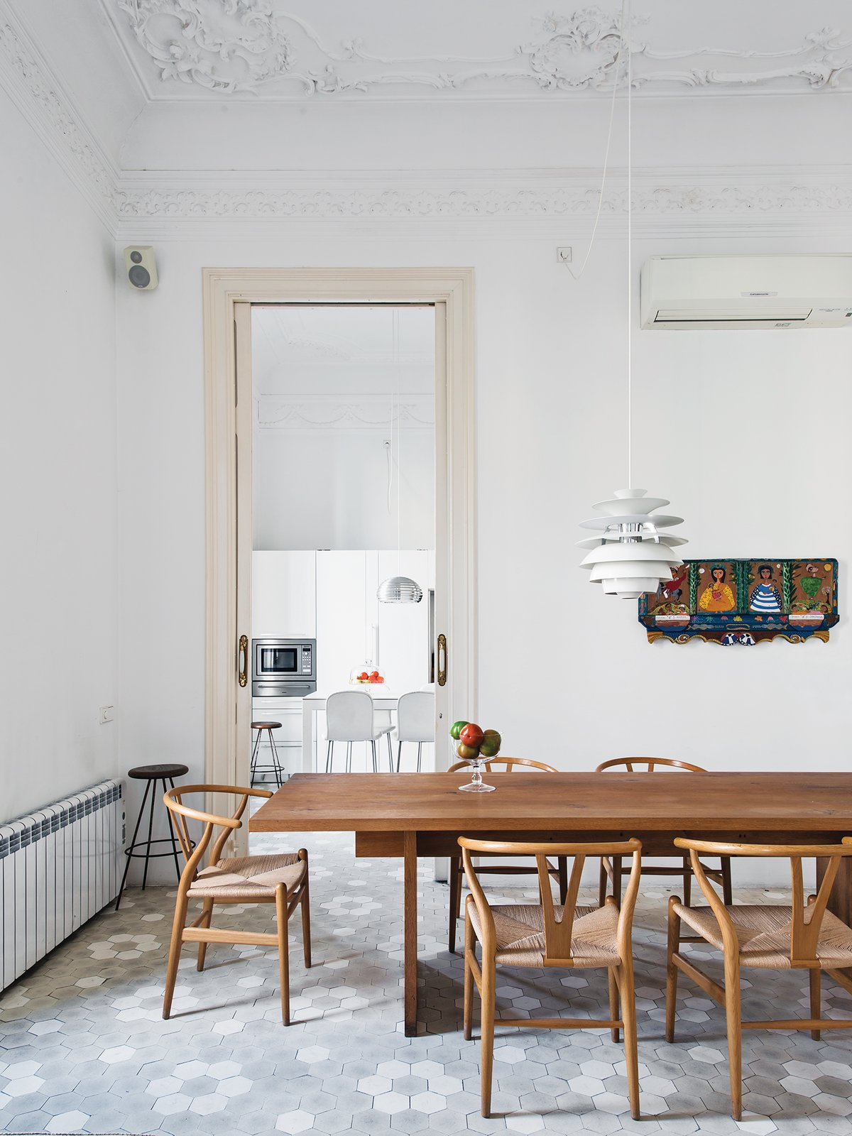 #interior #dining #modern #modernarchitecture #table #diningroom #wood #diningtable #HansWegner #Wishbone #chairs #minimal #Barcelona #Spain #PoulHenningsen #PhilippMainzer #E15 #tiles  In the Home from Ideas for dining tables
