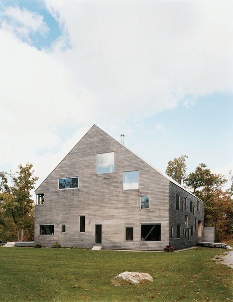 "The Pine Plains, New York, home of Elise and Arnold Goodman boasts 48 windows, the largest of which measures 8'6'' by 7'6''. As architect Preston Scott Cohen explains, the ""free facade makes it impossible to identify how many levels there are, or even to tell the difference between a door and a window."" Photo by: Raimund Koch"
