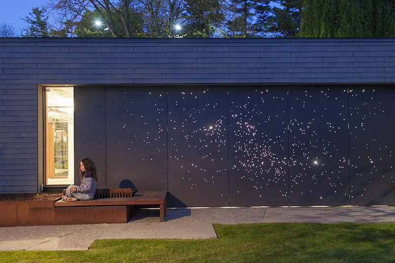 """Outdoor Architect Janna Levitt devised a creative emellishment for a residence in Canada. Photo by: Philip Cheung  Search """"aura light"""" from Starry Night: Outdoor Wall Light Installation"""