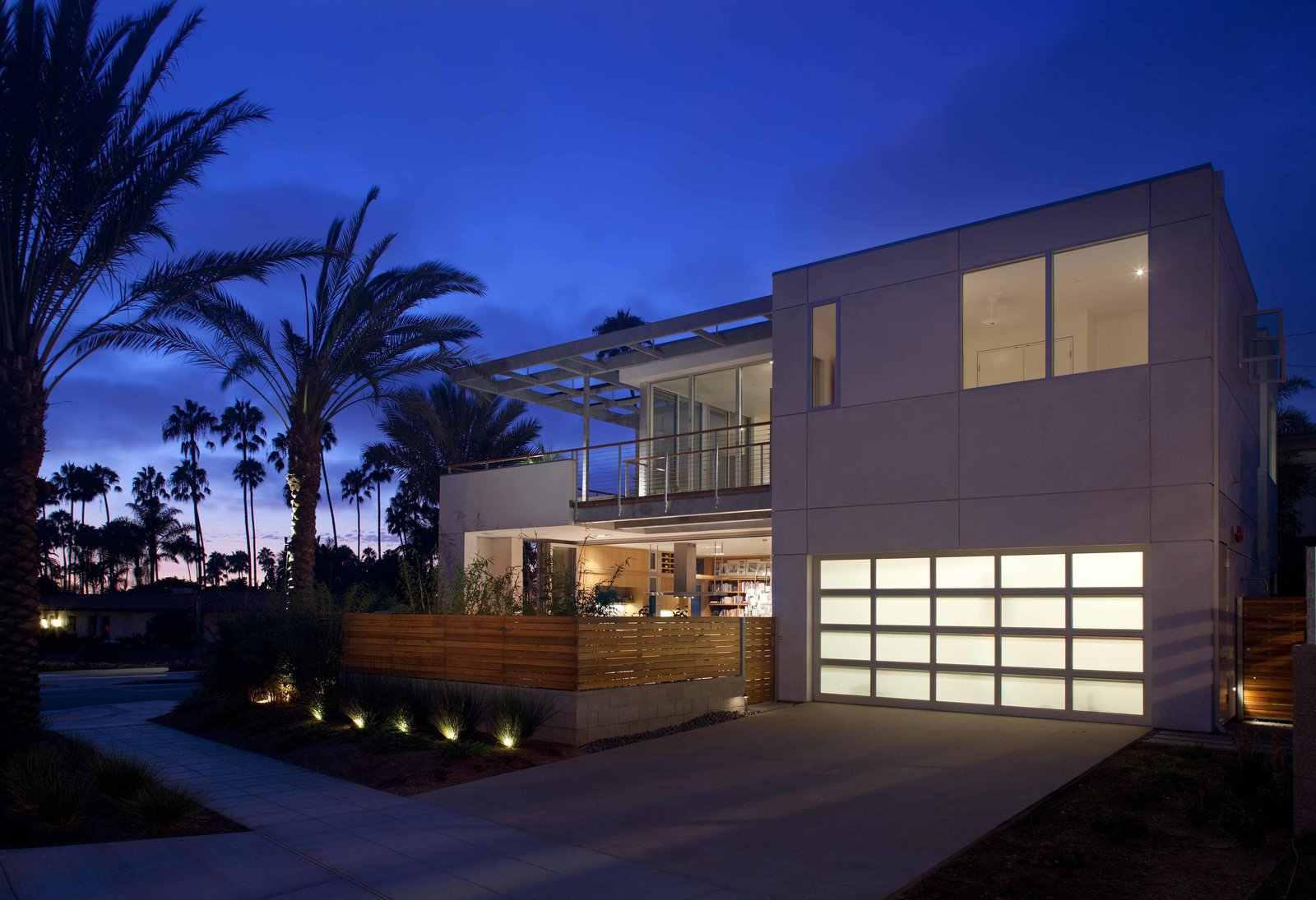 Green Home in La Jolla Blends Indoors and Outdoors - Photo 4 of 7 -