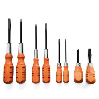 Screwdriver set from Kaufmann Mercantile. A Michigan company produces the wood-handled eight-piece screwdriver set. The Philips- and flat-head steel blades are forged in Massachusetts.