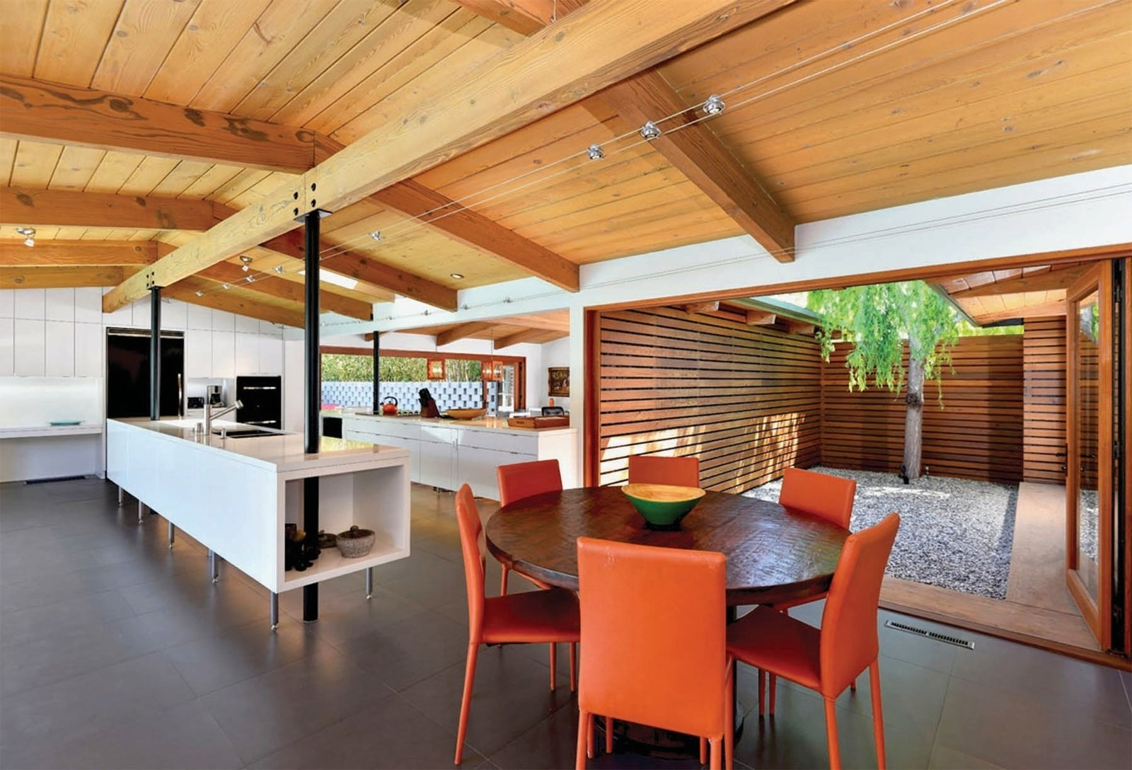 Keeping it simple and clean, the interior echoes the open theme of the space, while the stripped Douglas fir post-and-beam frame is given a chance to shine.  Photo 5 of 12 in It's Time to Kick Off Dwell Home Tours—First Stop, San Diego