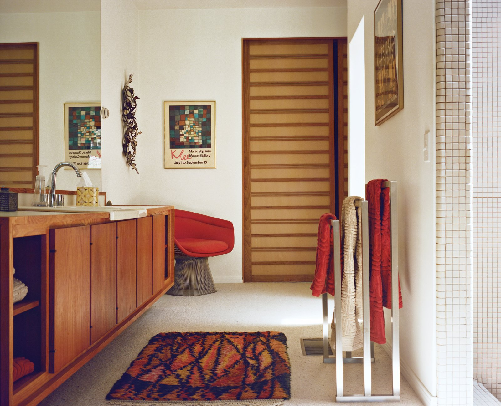Warren Platner, though, gets the credit for the Wire series lounge chair for Knoll in the bathroom.  Photo 2 of 15 in Modern Home in a California Resort Town