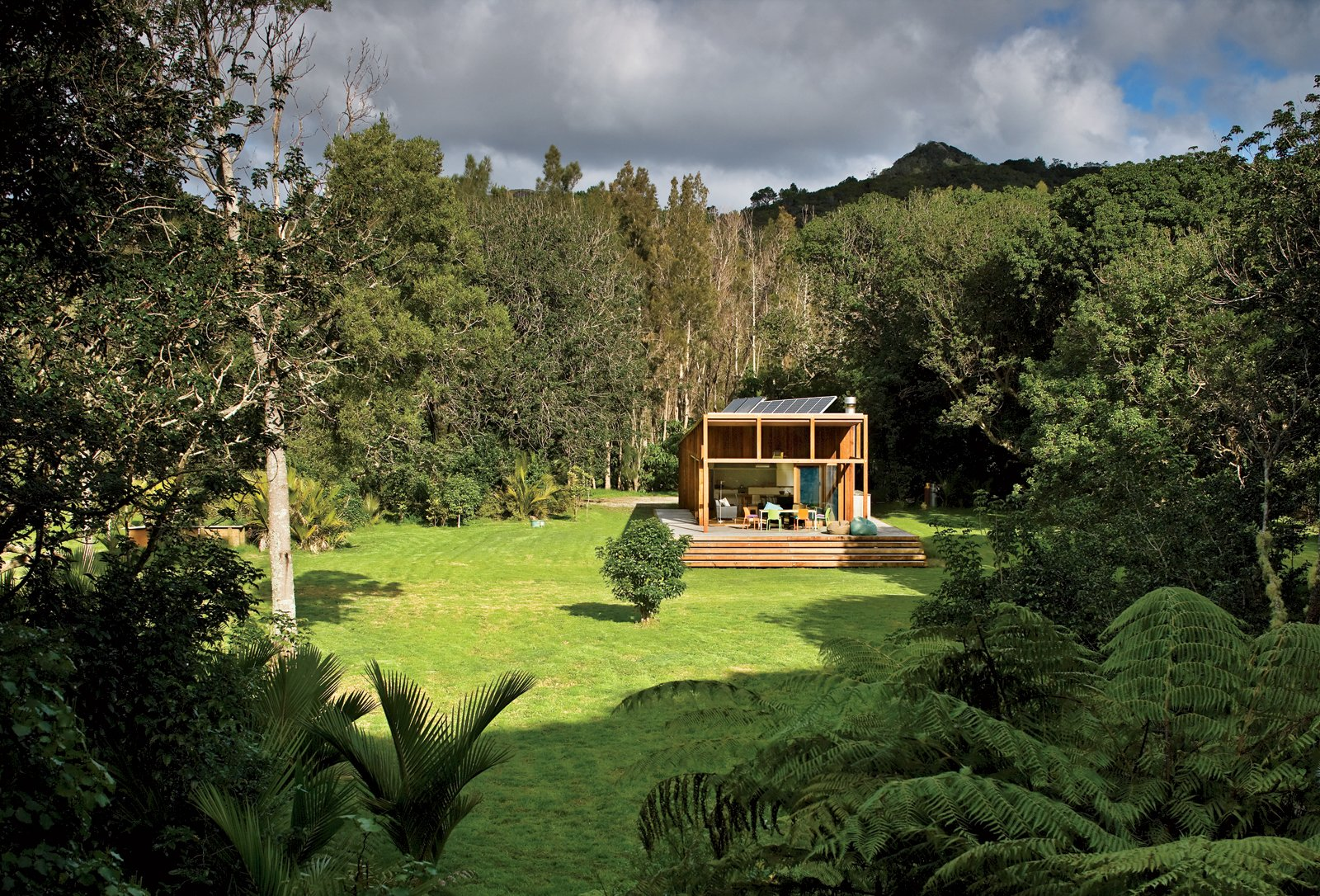 Bach to Nature  Two doctors wanted their typical New Zealand home to function as simply as it looks.  Cabins & Hideouts from New Zealand Goes Modern Part Two