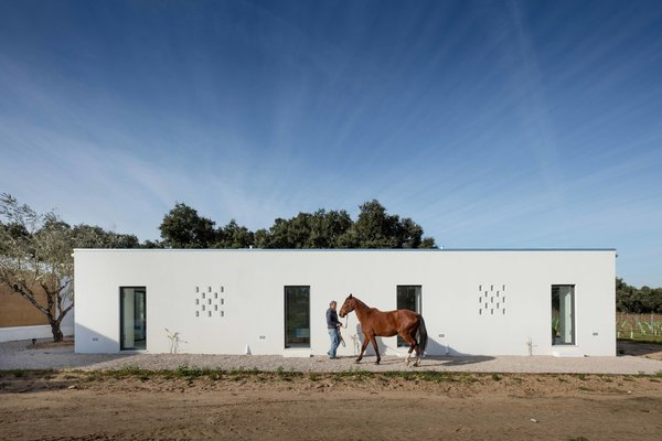 Asked to find an ecologically sustainable building solution, blaanc turned to a vernacular building technique that still thrives in certain pockets of rural Portugal, rammed earth.