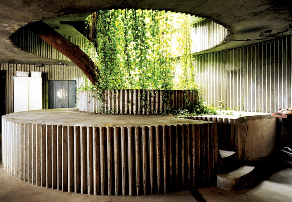 Coati Restaurant at the Ladeira da Misericórdia Housing and Commercial Complex, Salvador (1987–88). Photo by Nelson Kon.  Photo 6 of 10 in A Look Back at Lina Bo Bardi