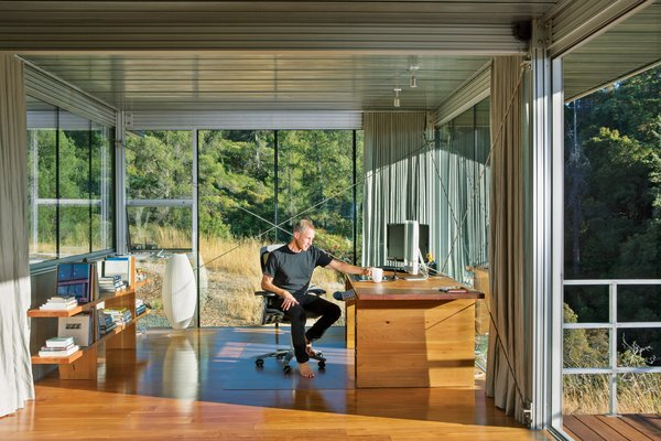 10 Essential Tips For Creating a Hardworking Home Office