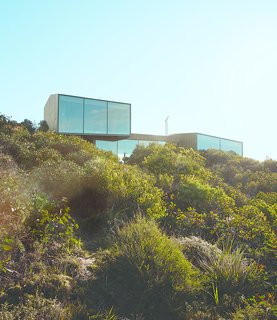 A Eucalyptus-Lined Oceanfront Home in Australia