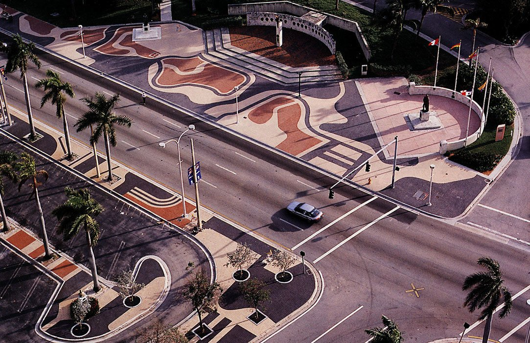 The architect's influence extends beyond Brazil. His design for Miami's Biscayne Boulevard was completed posthumously. The three-color pavement design shows his signature mix of logic and rhythm.  Photo 2 of 5 in (Not-So) Garden Variety Lessons From the Father of Modern Landscape Design