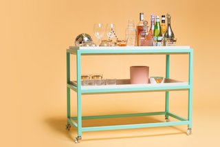 Perfect Pairings: 7 Bar Carts to Complement Your Favorite Cocktail