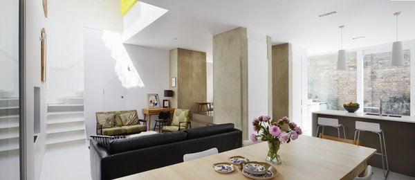 The stylish home of a pair of British architects in Cambridge is one of more than 1,000 available on the community-oriented home exchange service. Sign up for Behomm to view more amazing properties to share.
