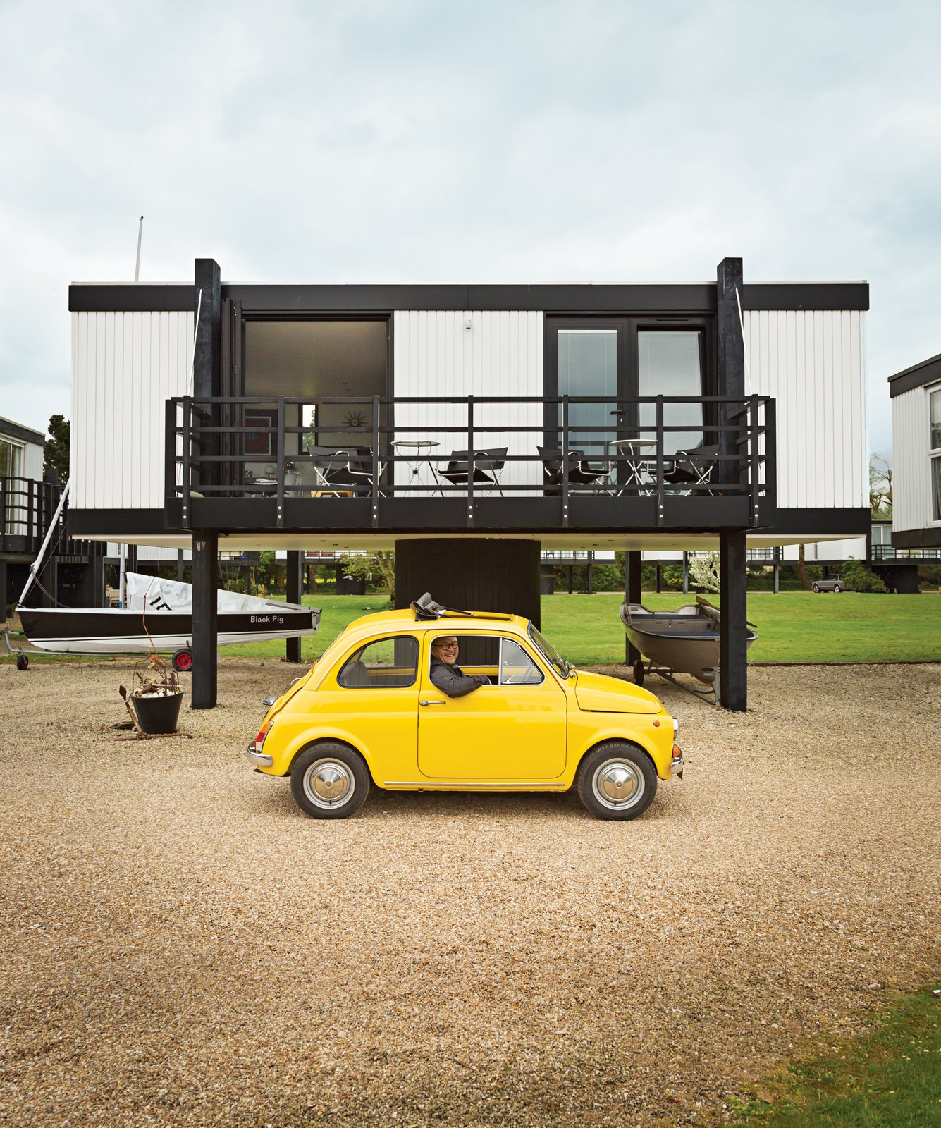 Articles about elevated deckhouse england on Dwell.com