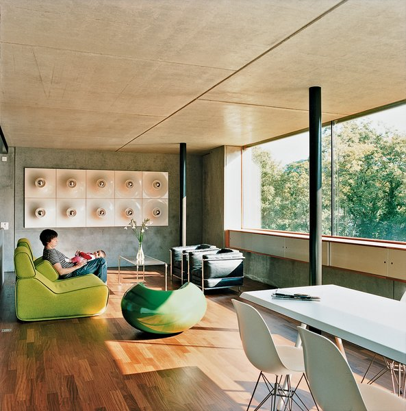 Meili and Anais lounge on a Transform sofa by Moroso.
