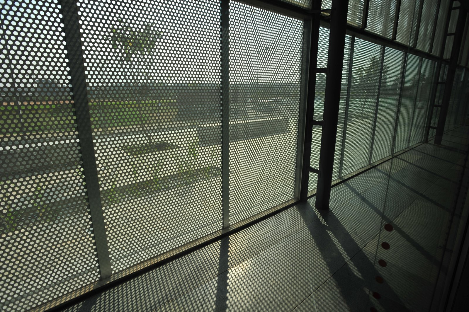"""A thin metal """"skin"""" helps reduce solar gain.  Photo 5 of 7 in A Modern Town Hall in Bangalore"""