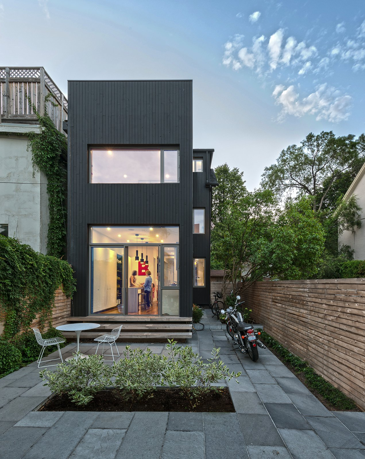 Contrast House Modern Home in Toronto tario Canada by DU