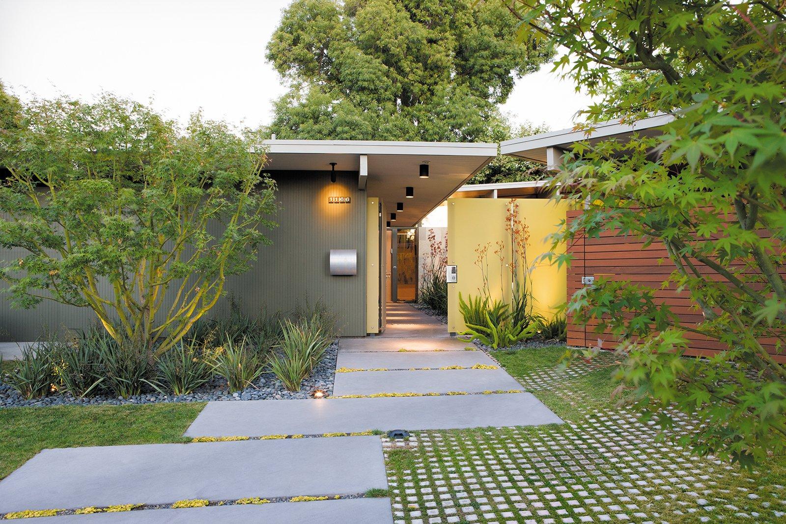 Bernard Trainor Eichler Garden