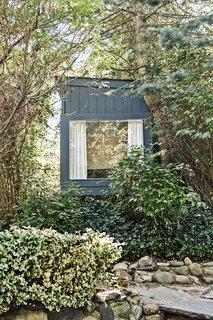 Tiny Garden Retreat on New York's Long Island