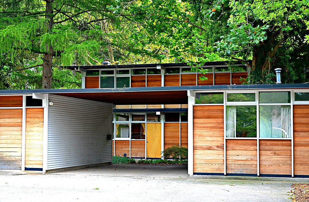"Max De Pree House  Designed in 1954, the Zeeland, Michigan home of Max De Pree—son of Herman Miller founder D.J. De Pree, and later the CEO—melded local style and history with Scandinavian cool, including a sleek vertical shape and a cedar exterior.  Photo credit: chicagogeek, via Creative Commons  Search ""eames-house-blocks.html"""