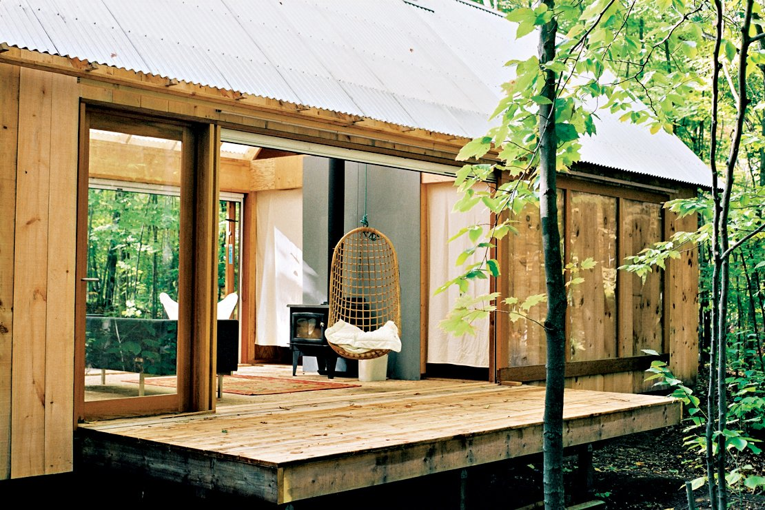 Exterior, Cabin Building Type, and Wood Siding Material Photo by Leo Mieles  Small Homes from First-Class Cabins