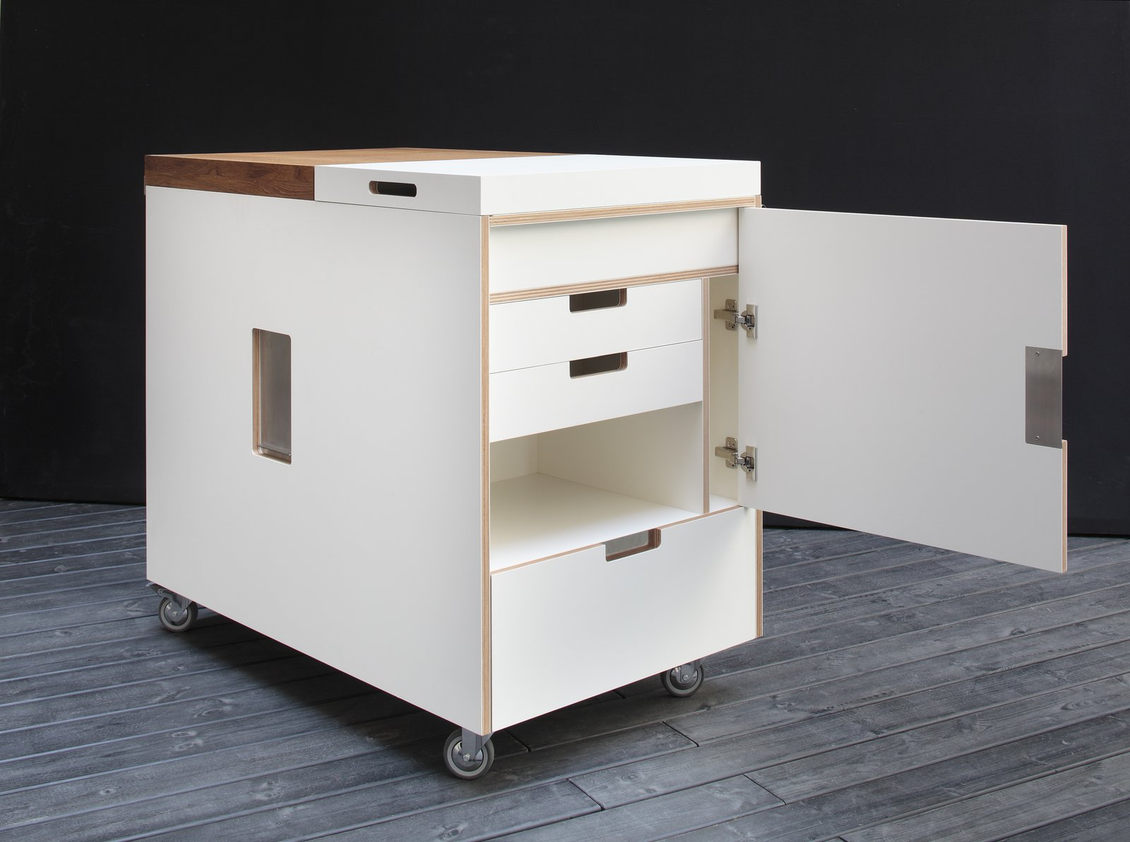 """80 years  In 1934, Piero Boffi left his job with aircraft manufacturer Caproni and established Boffi, a kitchen and bathroom company dedicated to craft-like quality. Joe Colombo's 1963 Minikitchen, a large multi-functional trolley, remains one of Boffi's most popular products. Photo courtesy of Boffi.  Search """"diana mini"""" from Celebrating Anniversaries of Iconic Design"""
