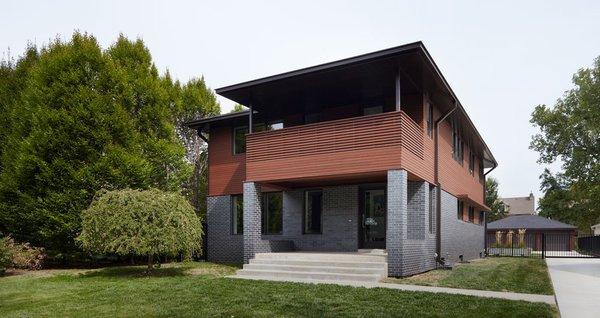Kansas City architecture firm Kem Studio renovated a house on Kansas City's historic Janssen Place.