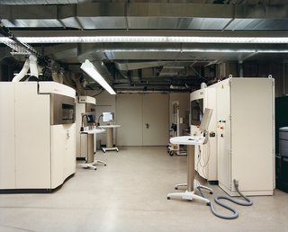 The EOS GmbH rapid-manufacturing facility in Munich employs laser sintering machines to produce the Trabecula bench. Sintering is the process in which laser energy is used to fuse together individual particles of matter.