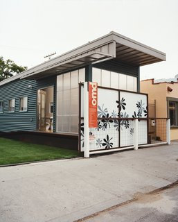 """Jennifer Siegal's other house is the portable ShowHouse, a 720-square-foot example of her factory-built prefab housing, wedged in among the boutiques and coffee bars on trendy Abbott Kinney Boulevard in Venice. """"I set it up so people would have a place to come and kick the tires,"""" Siegal jokes. """"What does modern prefab feel like?"""""""