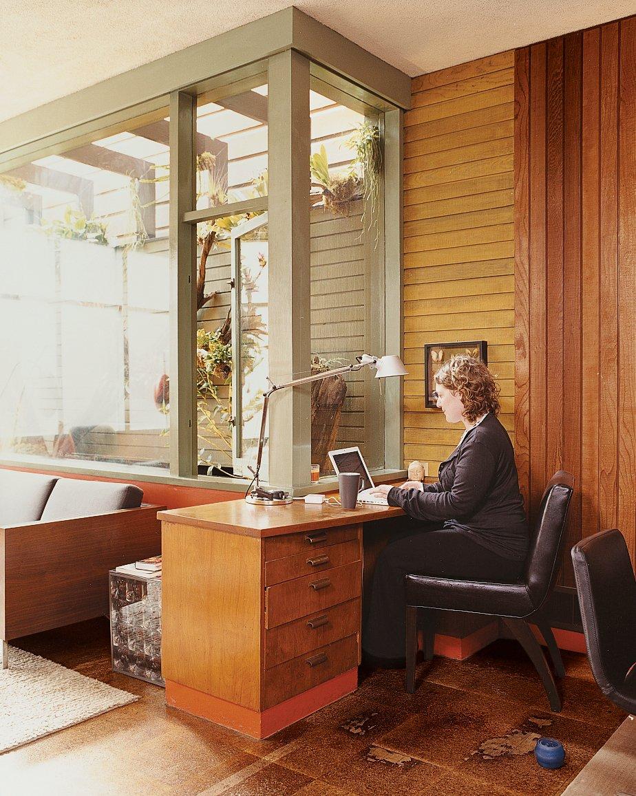 "Office and Chair Rice surfs the net at the built-in desk.  Search ""강남하드코어www,OPGO22,net≤≤달리는밤≥≥강남하드코어ᖰ강남안마ᚹ강남하드코어ᘏ강남셔츠룸ք강남스파ᗐ강남휴게텔թ강남업소"" from Midcentury Mash-Up"