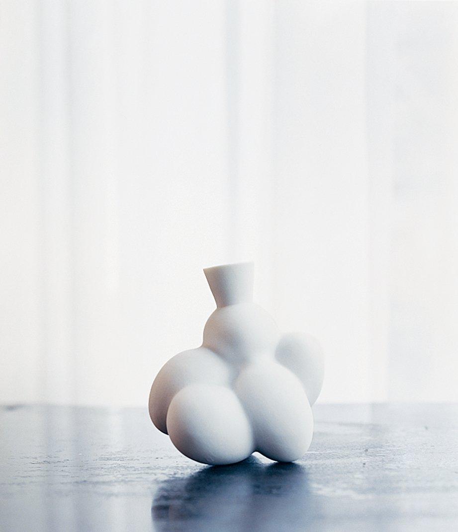 An Egg vase.  Photo 6 of 11 in Marcel Wanders