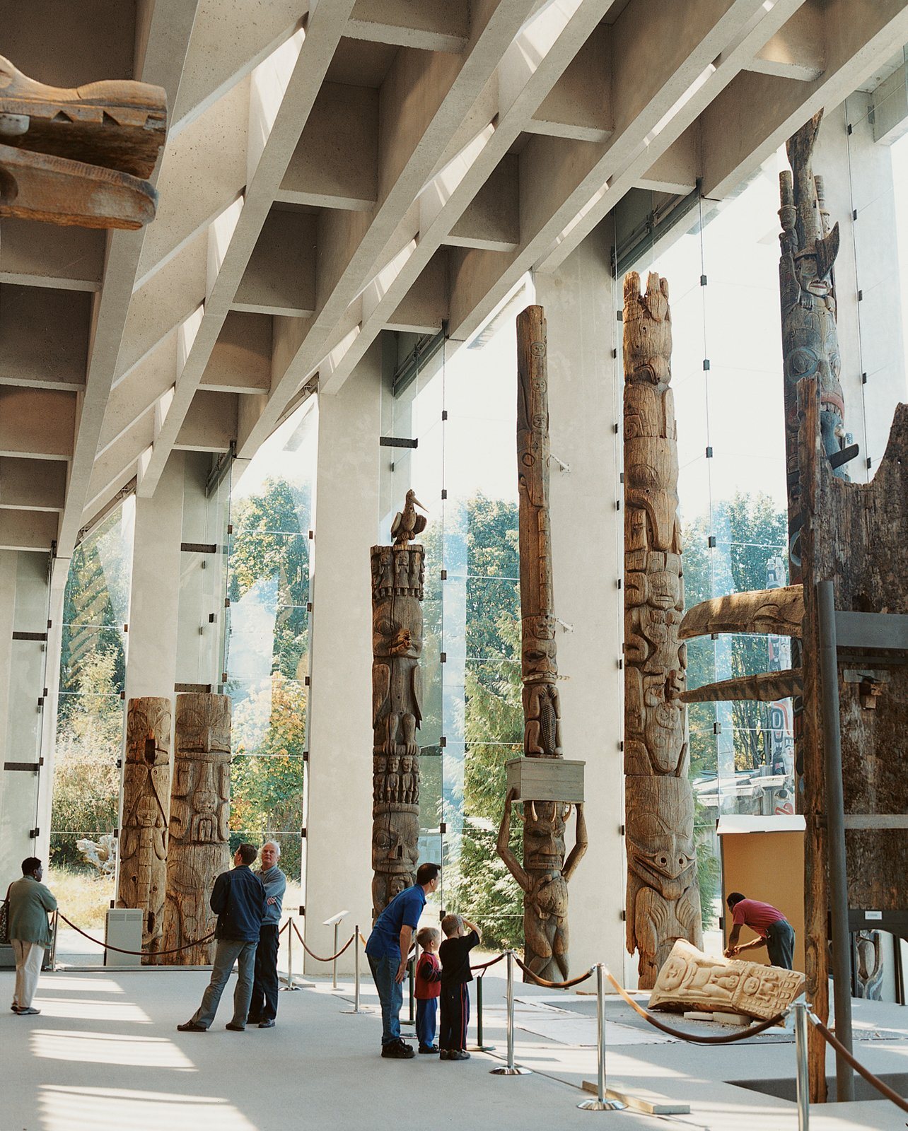 The interior of the Museum of Anthropology, created by Vancouver architect Arthur Erickson.  Modern Spaces in the Pacific Northwest by William Lamb from Vancouver is an extroverted city