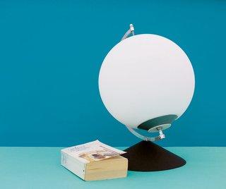 Hand-Powered Lamp
