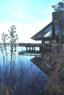 This home for Sam and Sharon Pallone was one of several Jones designed on the water. It was completed in the late 1970s near Little Rock, Arkansas. Photo courtesy of the Fay Jones Collection, University of Arkansas.