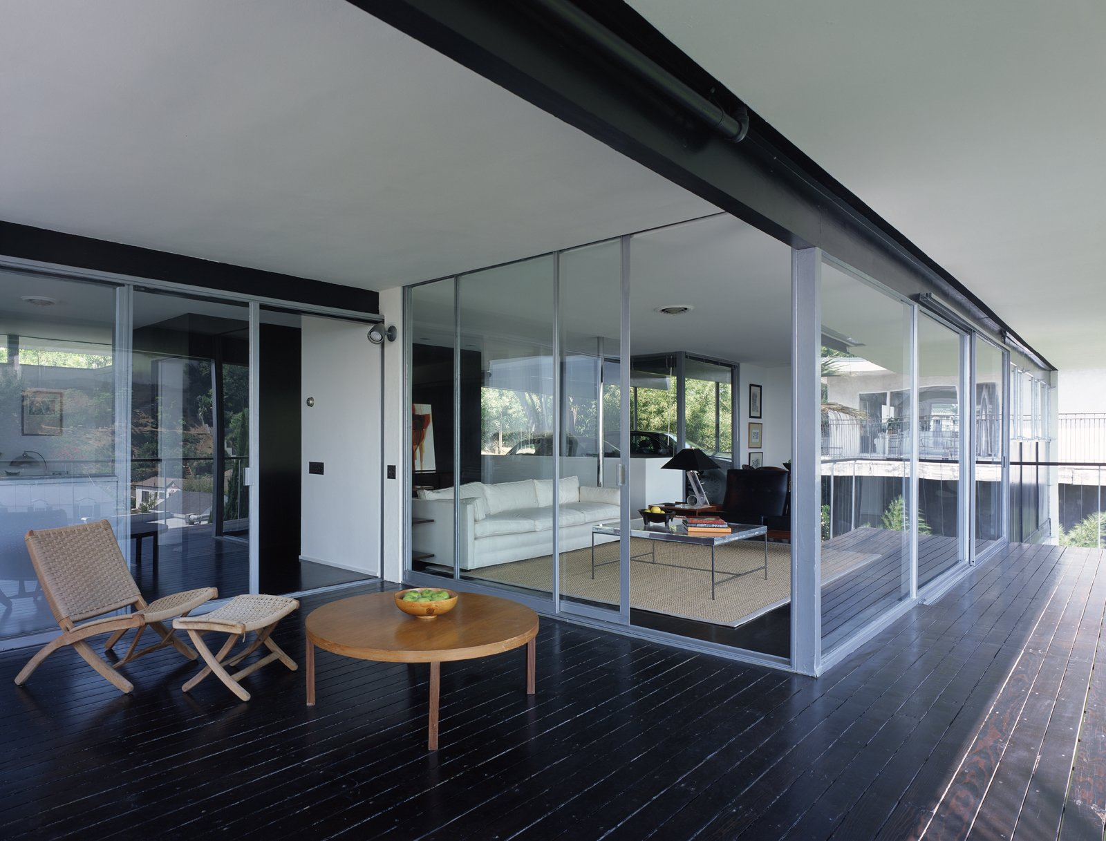 The Lew house by Richard Neutra.  Photo 4 of 4 in Leo Marmol on Restoration