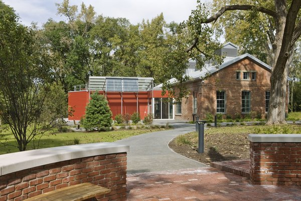 The Center for Environmental Innovation and Education is the first facility on the Beacon Institute for Rivers and Estuaries Denning's Point campus.  Photo by   Bilyana Dimitrova, Courtesy of the Beacon Institute for Rivers and Estuaries