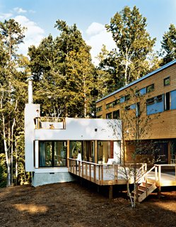 In 2003, Resolution: 4 Architecture was one of 16 firms who participated in the Dwell Home Design Invitational—a competition to design a modern prefab home for $200,000. Their winning design, constructed in Pittsboro, North Carolina, is a groundbreaking case study that combines prefabricated construction with contemporary, modern design.