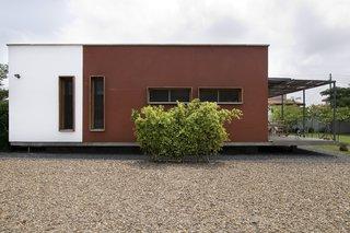 Architect's private residence, Accra. Architect: Lokko Associates, 2005-06.