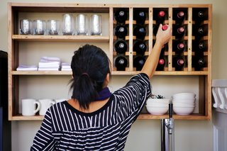 How to Select and Serve Wine Like a Sommelier This Holiday Season