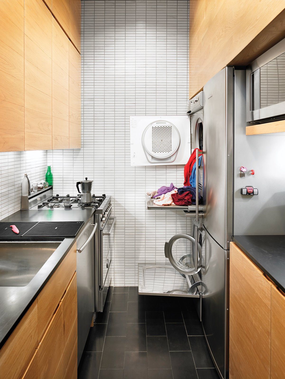 Small Kitchen With Washer And Dryer