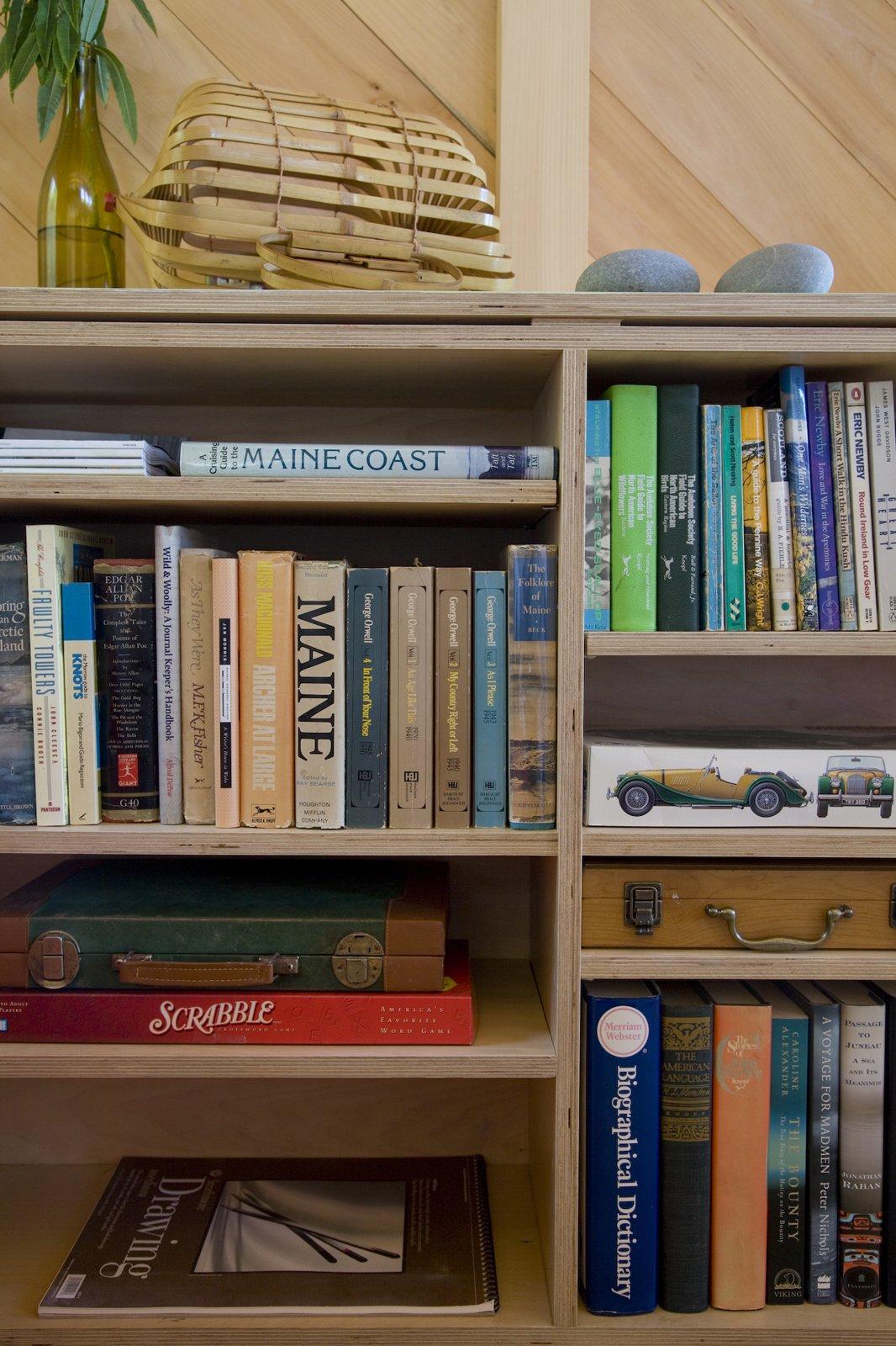 alex scott porter design tiny cabin ragged island shelves