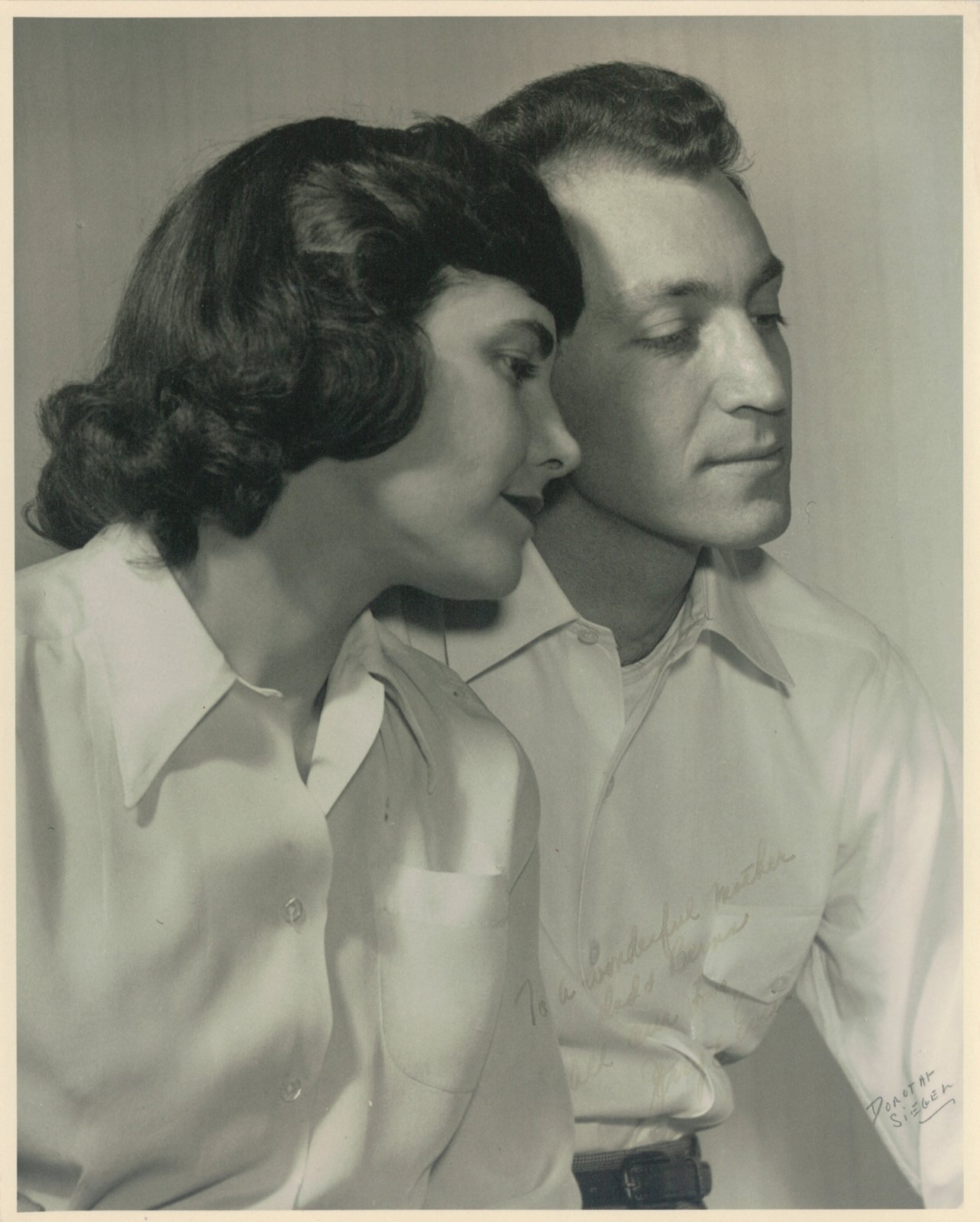 The designing couple: Evelyn and Jerome Ackerman, 1948. Image: Milton Lipton  A Marriage of Craft and Design by Miyoko Ohtake