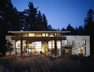 Studio House, Seattle, Washington, 1998. Photo by Benjamin Benschneider.
