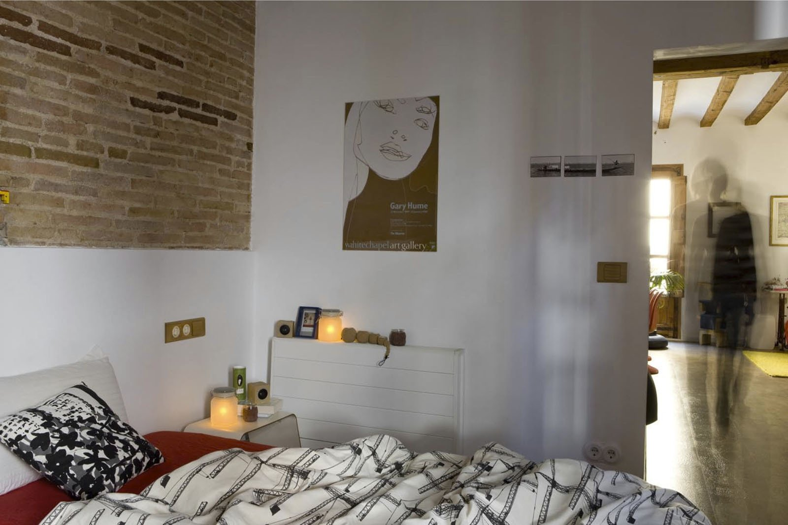 A toxin-free environment was especially important in the bedroom, so the couple incorporated organic cotton, latex pillows and paints made without volatile organic compounds (VOCs).  Photo 12 of 14 in Green Living in Barcelona